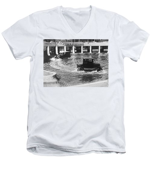 Auto Wash Bowl Men's V-Neck T-Shirt