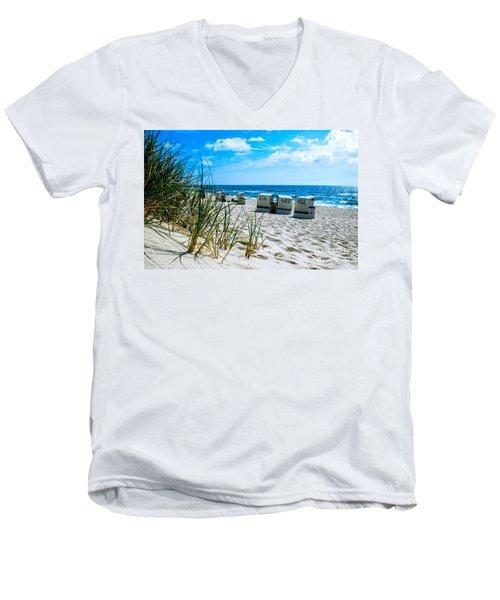 Behind The Dunes -light Men's V-Neck T-Shirt