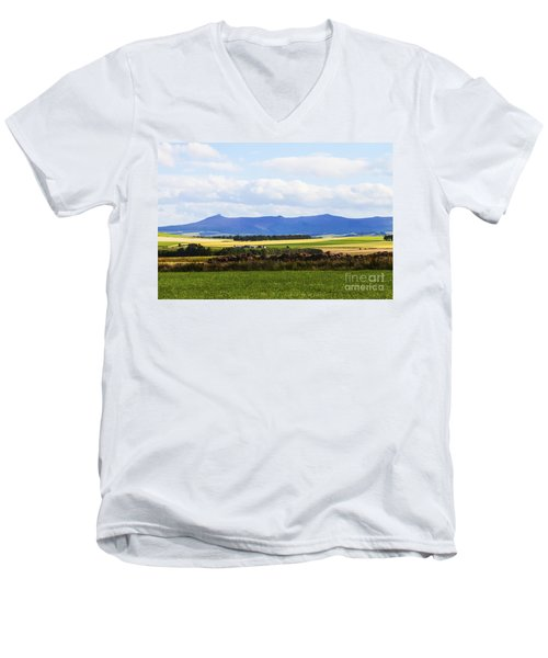 Bennachie Men's V-Neck T-Shirt
