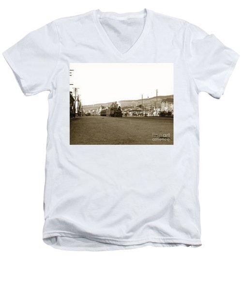 Berkeley California Train Station Circa 1902 Men's V-Neck T-Shirt