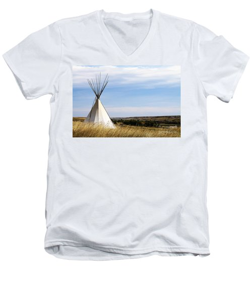 Men's V-Neck T-Shirt featuring the photograph Blackfoot Teepee by Alyce Taylor