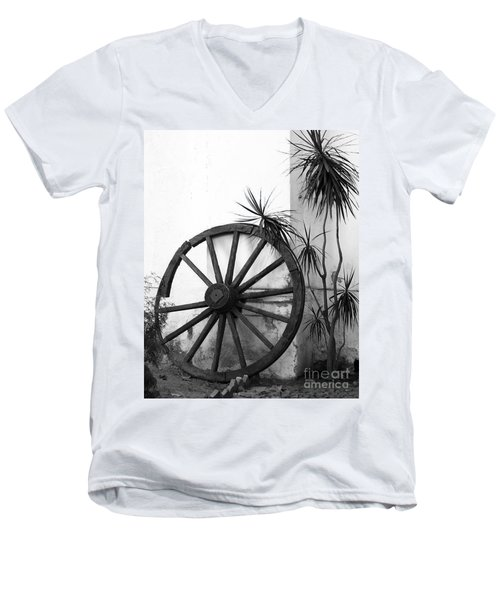 Broken Wheel Men's V-Neck T-Shirt