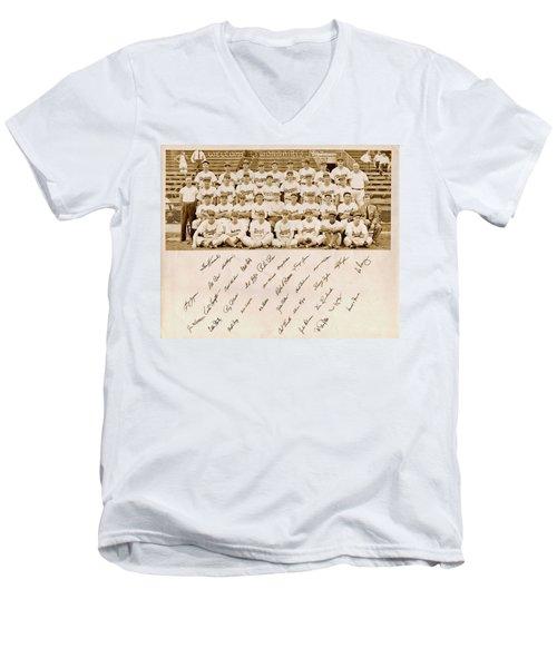 Brooklyn Dodgers Baseball Team Men's V-Neck T-Shirt