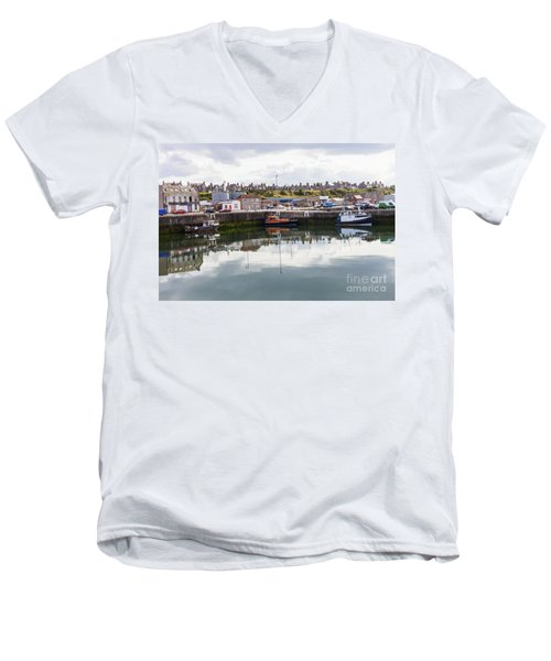 Buckie Harbour Men's V-Neck T-Shirt
