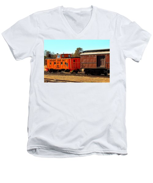 Caboose And Car Men's V-Neck T-Shirt