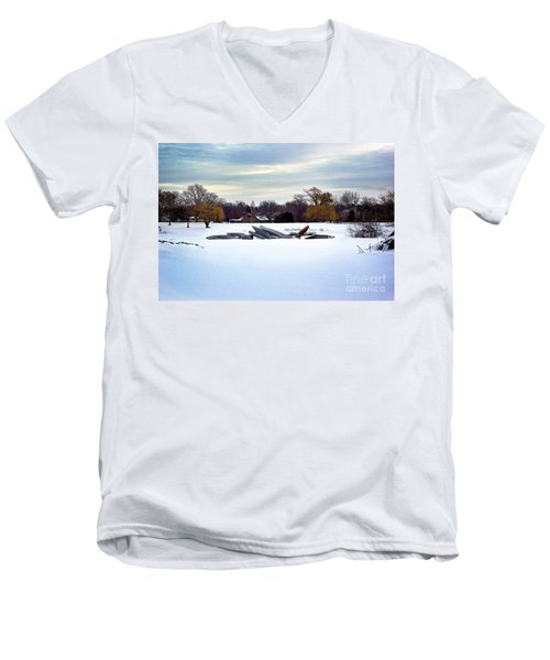 Canoes In The Snow Men's V-Neck T-Shirt