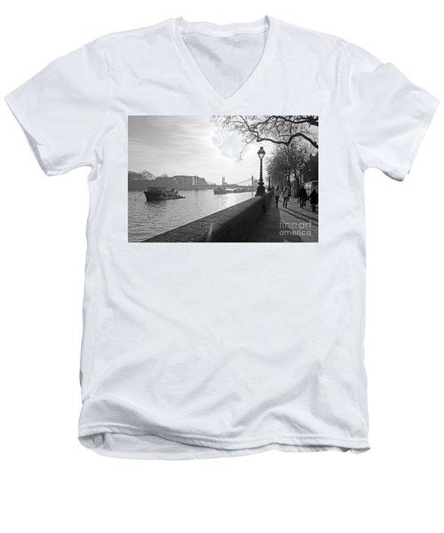 Chelsea Embankment London Uk 3 Men's V-Neck T-Shirt