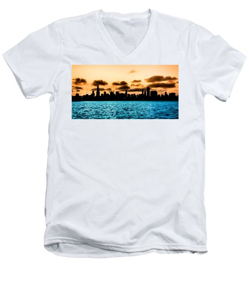 Chicago Skyline Silhouette Men's V-Neck T-Shirt