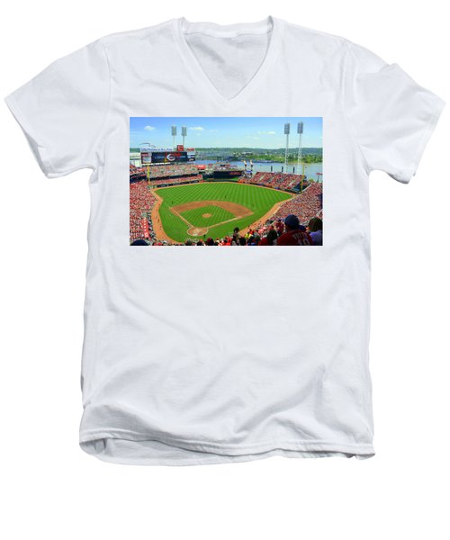 Cincinnati Reds Stadium Men's V-Neck T-Shirt