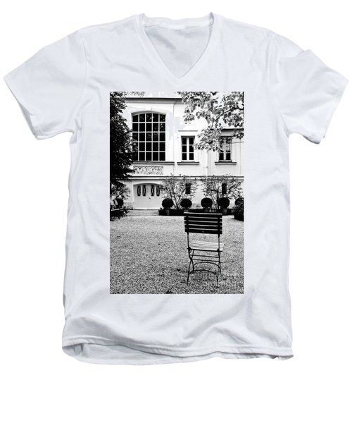 Classic Paris Men's V-Neck T-Shirt