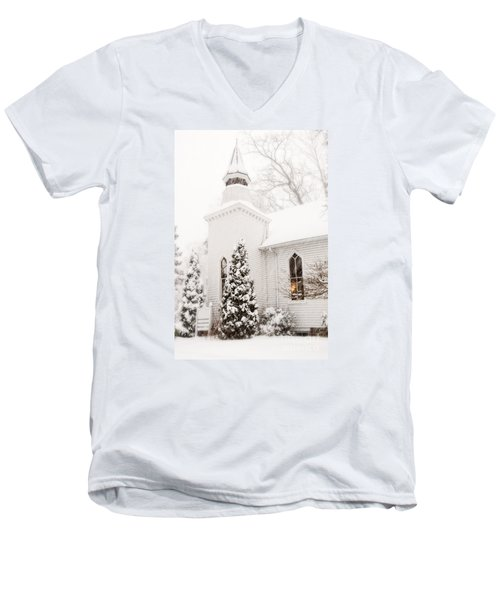Men's V-Neck T-Shirt featuring the photograph White Christmas In Maryland Usa by Vizual Studio