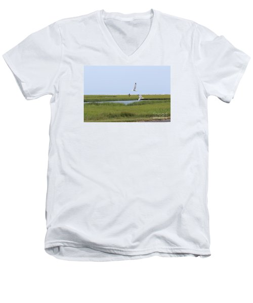 Men's V-Neck T-Shirt featuring the photograph Crabber by David Jackson