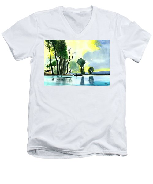 Distant Land Men's V-Neck T-Shirt