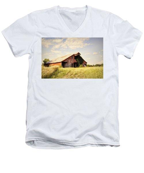 Englewood Barn Men's V-Neck T-Shirt
