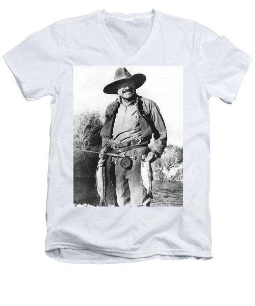 Ernest Hemingway Fishing Men's V-Neck T-Shirt