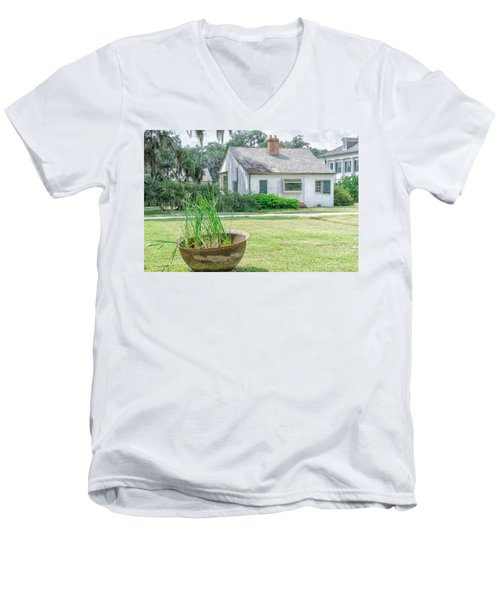 Evergreen Plantation Back Men's V-Neck T-Shirt