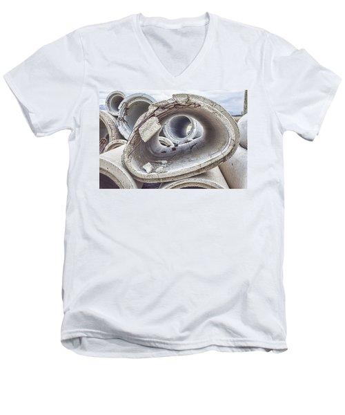 Eye Of The Saur Men's V-Neck T-Shirt