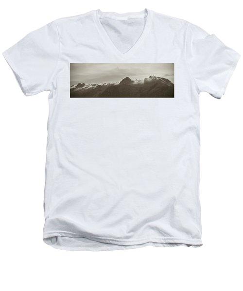 flawy mount peak I Men's V-Neck T-Shirt