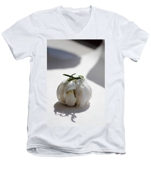 Garlic Clove Men's V-Neck T-Shirt