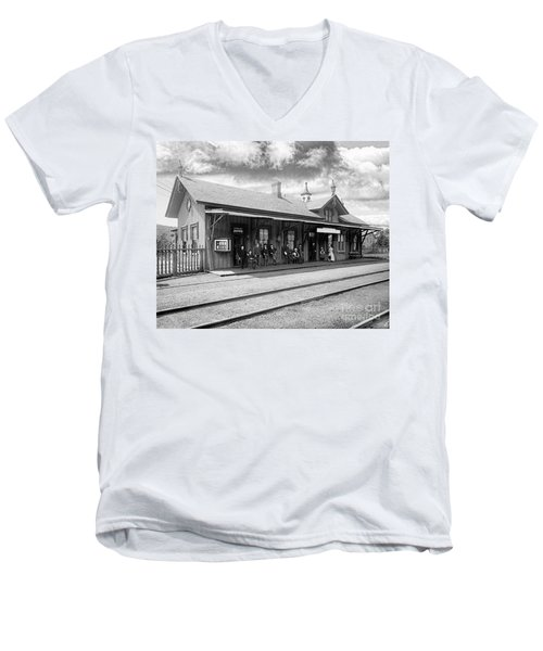 Garrison Train Station In Black And White Men's V-Neck T-Shirt