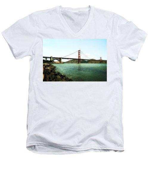 Golden Gate Bridge 2.0 Men's V-Neck T-Shirt