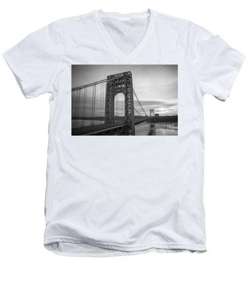 Gw Bridge Winter Sunrise Men's V-Neck T-Shirt