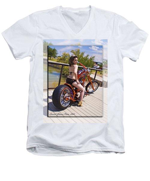 H-d_d2 Men's V-Neck T-Shirt