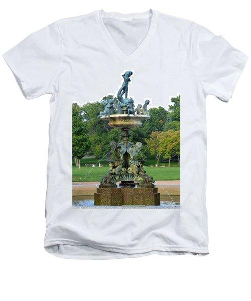 Heffelfinger Fountain Men's V-Neck T-Shirt