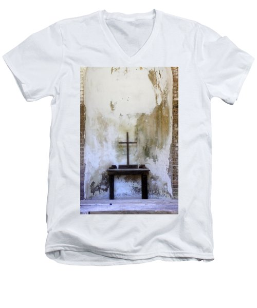 Men's V-Neck T-Shirt featuring the photograph Historic Hope by Laurie Perry