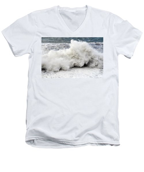 Huge Wave Men's V-Neck T-Shirt