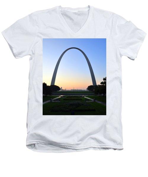 Jefferson National Expansion Memorial Men's V-Neck T-Shirt