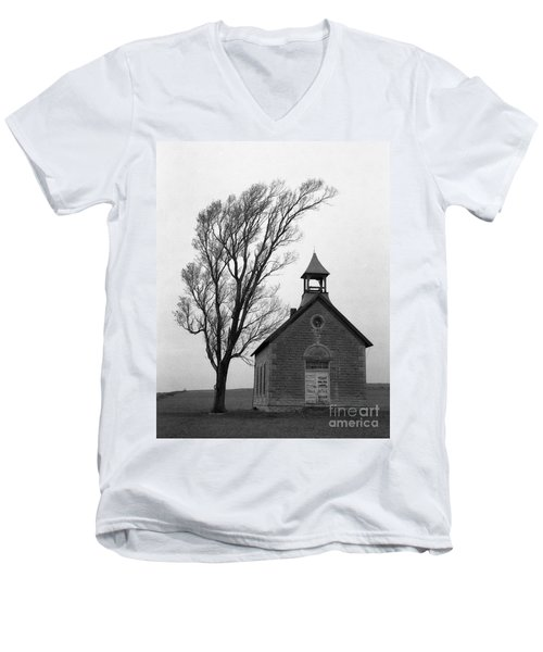 Kansas Schoolhouse Men's V-Neck T-Shirt