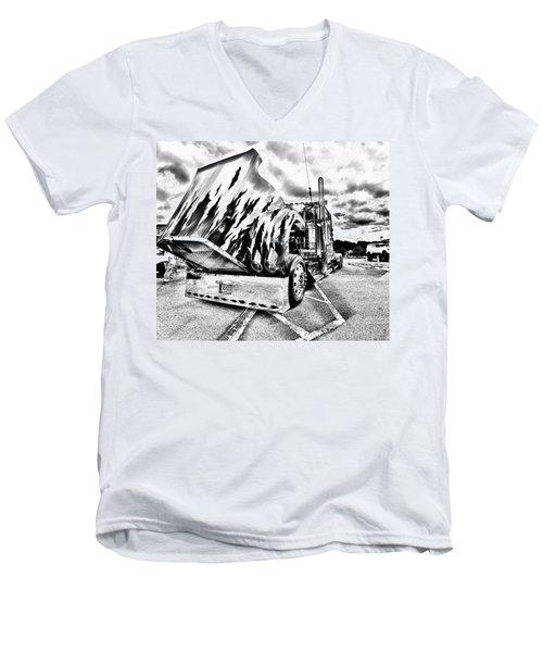 Kenworth Rig Men's V-Neck T-Shirt
