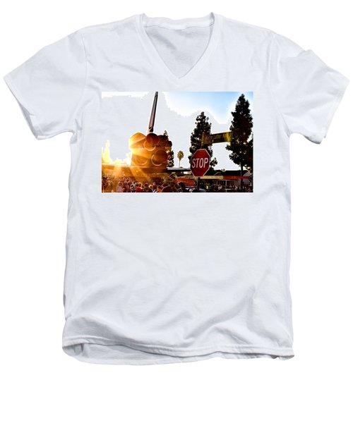 King's Endeavour Men's V-Neck T-Shirt