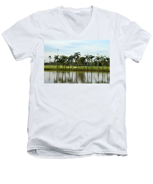 Lake Sand Traps Palm Trees And Golf Course Singapore Men's V-Neck T-Shirt