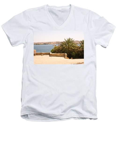 Lakeview 2 Men's V-Neck T-Shirt