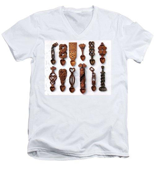 Love Spoons Men's V-Neck T-Shirt