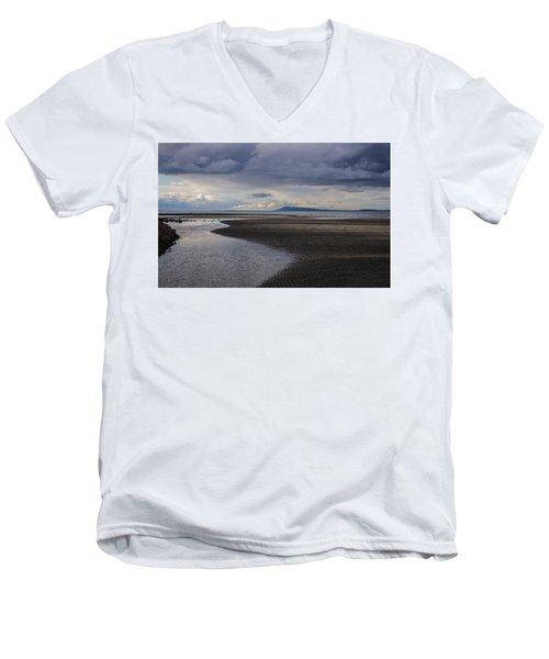 Tidal Design Men's V-Neck T-Shirt by Roxy Hurtubise