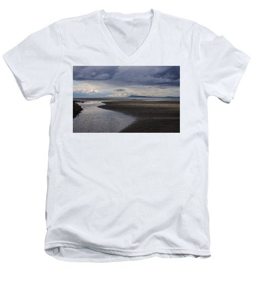 Tidal Design Men's V-Neck T-Shirt