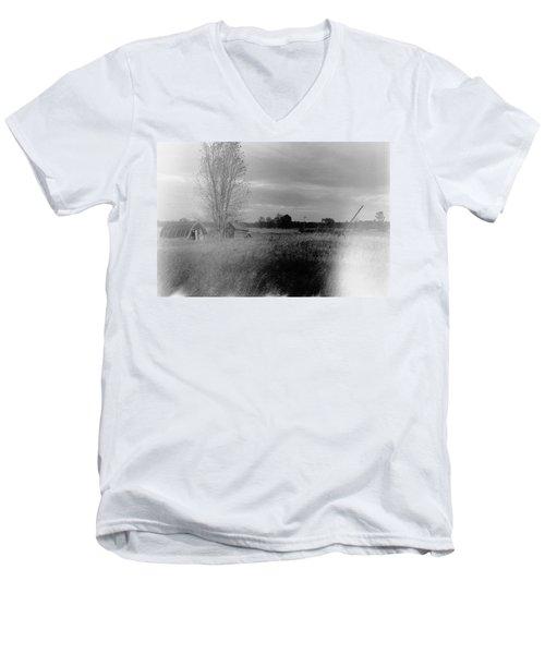 Men's V-Neck T-Shirt featuring the photograph Maple Ridge Rd Farm by Daniel Thompson