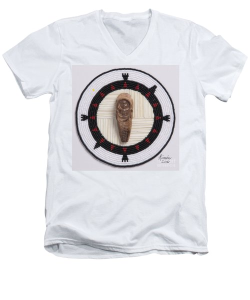 Mikinaak Cradleboard Men's V-Neck T-Shirt