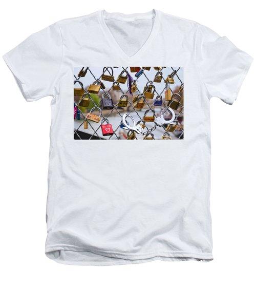 Mimi And Cloclo Men's V-Neck T-Shirt