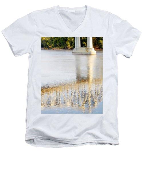 Mississippi Reflection Men's V-Neck T-Shirt