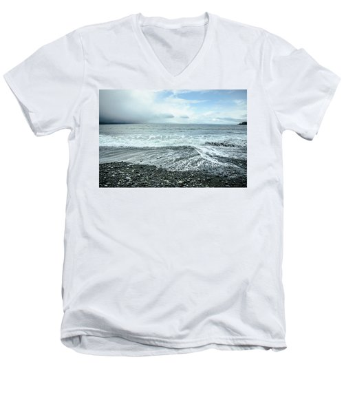Moody Waves French Beach Men's V-Neck T-Shirt