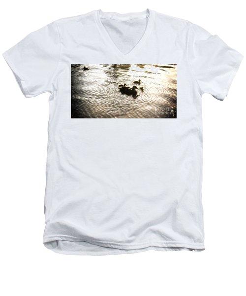 Mumma Duck And Ducklings Men's V-Neck T-Shirt
