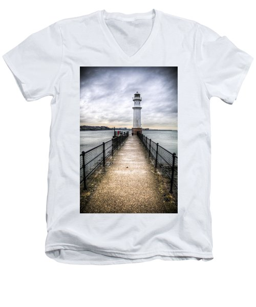 Newhaven Lighthouse Men's V-Neck T-Shirt