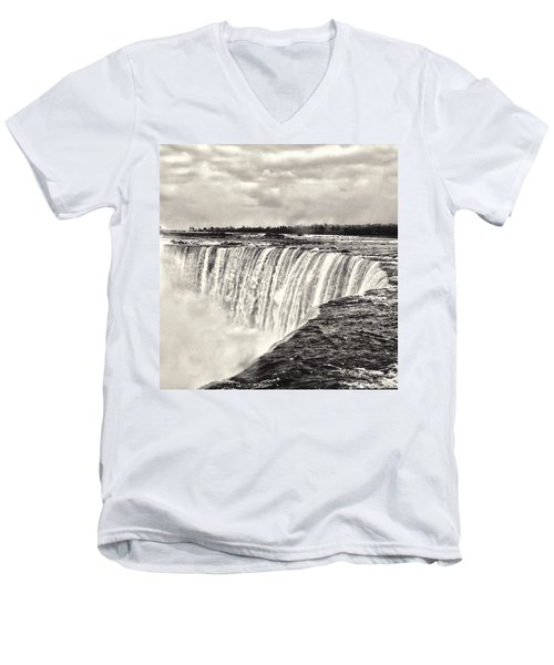 Niagara Falls  Men's V-Neck T-Shirt
