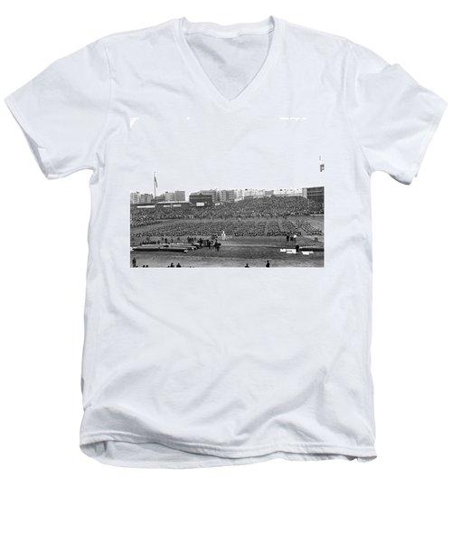 Notre Dame-army Football Game Men's V-Neck T-Shirt
