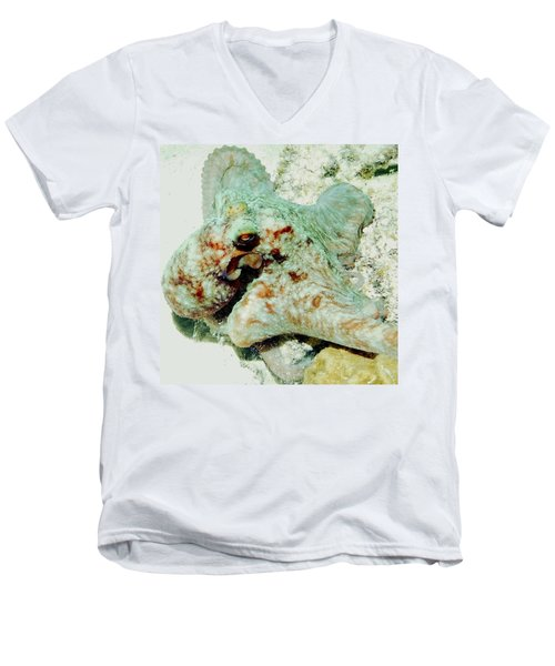Octopus On The Reef Men's V-Neck T-Shirt