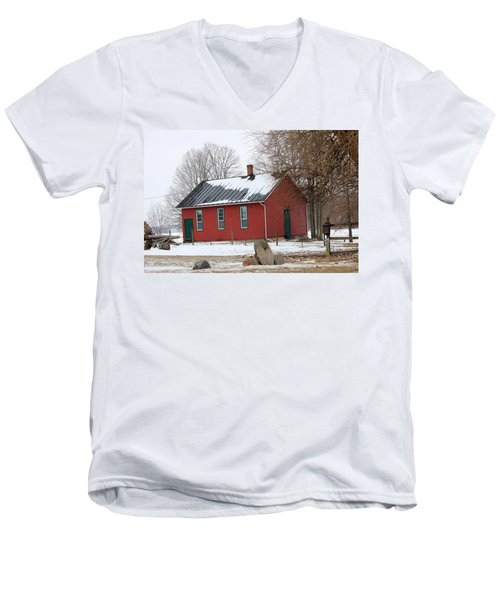 Old Ashland School House Men's V-Neck T-Shirt